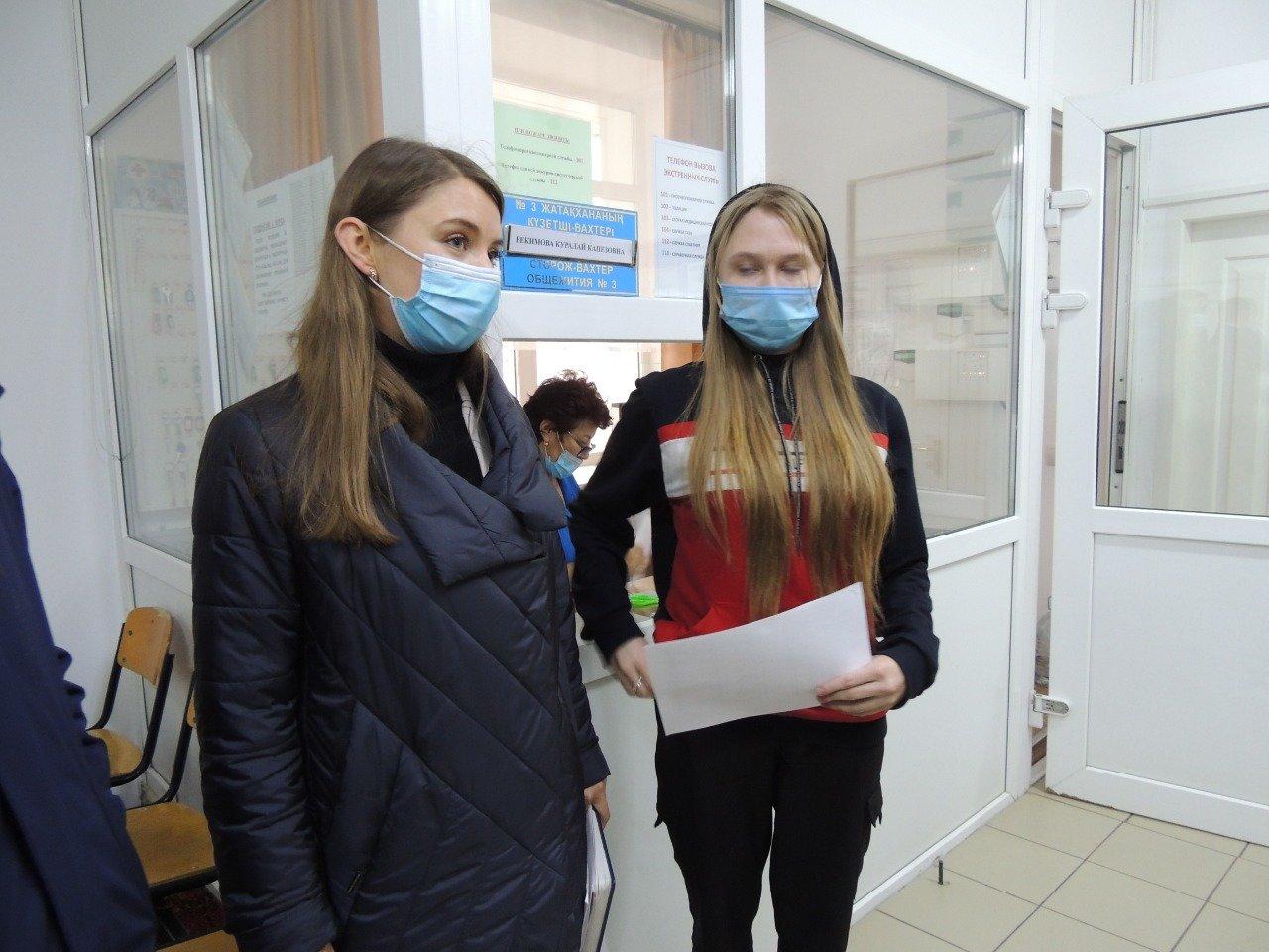 Партийцы ознакомились с условиями проживания студентов Kozybayev University, фото-2